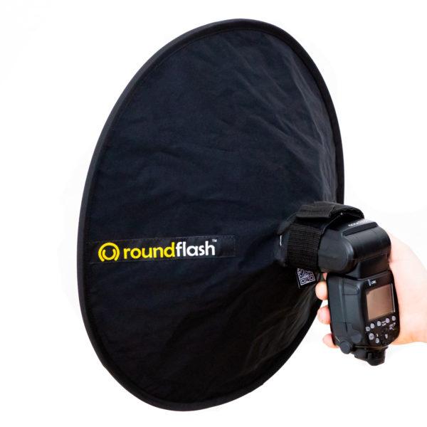RoundFlash Dish Faltbarer Beauty Dish für entfesselte Aufsteckblitze mieten ab 1,76 € am Tag.